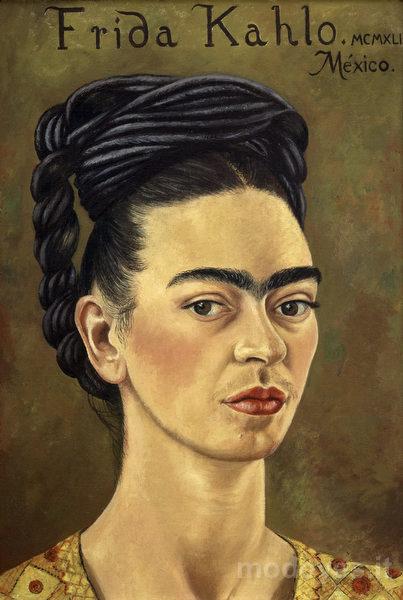 09-frida-kahlo-autoritratto-con-vestito-rosso-e-doratoa