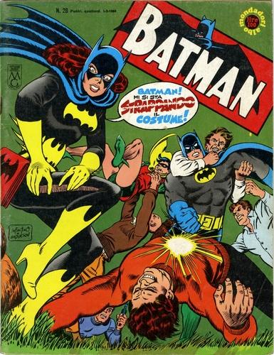 Batman n.38, costume di Batgirl, disegnata da Carmine Infantino